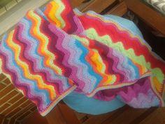 Manta para el sofá de Emma Manta Crochet, Blanket, Bed Covers, Crocheting, Dressmaking, Blankets, Cover, Comforters