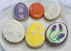 How to make beautiful Easter egg biscuits. A biscuit icing class April 2019 Egg Biscuits, Learn A New Skill, Home Recipes, Freshly Baked, Allergies, Easter Eggs, Dairy Free, Icing