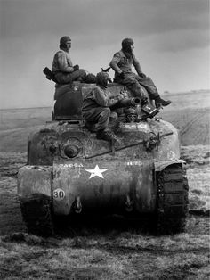 American armoured units carrying out invasion manoeuvres on a Sherman tank 'somewhere in England'. Pin by stinky old poop stain Us Armor, Sherman Tank, Military Armor, War Photography, Ww2 Tanks, Military Diorama, Battle Tank, World Of Tanks, Us History