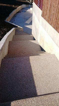 """Escaleras de Hormigón desactivado """"árido visto"""" con ankare disab en color naranja"""
