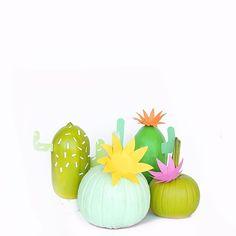 DIY Cactus Pumpkins on Aww.Sam Mom you should do this with your pumpkins! @ellansrelics02