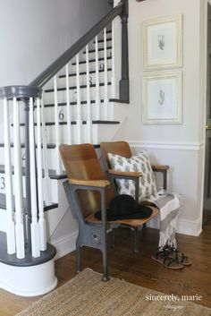 An Effortless Summer Entry Way - Sincerely, Marie Designs Diy Home Decor Bedroom, Diy Home Decor On A Budget, Entryway Decor, Foyer, Entryway Bench, Stadium Chairs, Stadium Seats, My Dream Home, Dream Homes