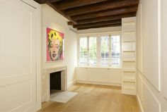 The house at 75 1/2 Bedford Street has the advantage of being New York City's narrowest house, with a secret garden, lots of celebrity history?Cary Grant, John Barrymore, Edna St. Vincent Millay,...