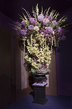 Wedding flowers...purple... Andreas Verheijen.jpg