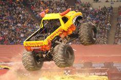 yellow monster jam truck | pic