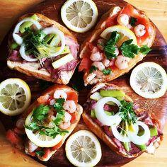 こんもりのっけて。北欧のオープントースト「スモーブロー」がブームの予感 - macaroni