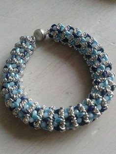 O-Caribbean Bracelet beaded by Angelika Altzemer. Beautiful! Well done! Thank you for the photo!