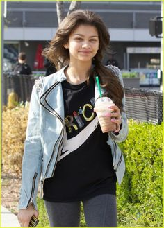 Zendaya: Wolfgang Puck Lunch | zendaya wolfgang puck lunch 01 - Photo Gallery | Just Jared Jr.