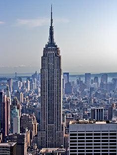 Empire State Building ... Manhattan island ... New York City, NY