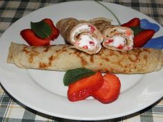 Karcsi főzdéje: Zabkorpás palacsinta eperhabbal Empanadas, Pancakes, Curry, Muffin, Meat, Chicken, Breakfast, Ethnic Recipes, Food
