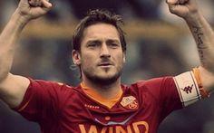 TOTTI DUE ANNI ANCORA ALLA ROMA!!! FIRMATO IL CONTRATTO #totti #roma #contratto #firmato #dueanni