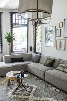 Small Living Rooms, Home And Living, Couch Furniture, Furniture Design, Interior Design Living Room, Living Room Decor, Home Cinema Room, Small Room Design, Loft Style