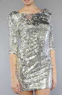 This dress. I has it.