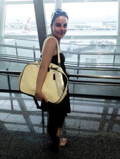 #big #bowling #bag #weekender #yellow #blackbeard #leatherbag #artisan #avantgarde #leather #italy Weekender, Bowling, Saddle Bags, Leather Bag, Artisan, Italy, Collections, Yellow, Big