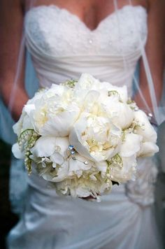 bouquet of peonies and lily of the valley. OMG HOW GORGEOUS!!