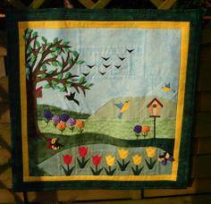 "Wandquilt ""Frühling"" größtenteils auf Papier genäht und appliziert"