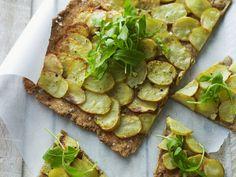 Kartoffel-Knäckebrot mit Rucola | Zeit: 45 Min. | http://eatsmarter.de/rezepte/kartoffel-knaeckebrot-mit-rucola