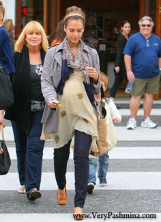 #JessicaAlba Mixes And Matches With A Tribal #PrintedScarf