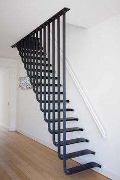 Few Breathtaking DIY Stairs Projects staircase In most of the houses stairs are just being used from taking you from one point to another. If your stairs do the same purpose only then you are missi. Steel Stairs, Loft Stairs, House Stairs, Deck Stairs, Basement Stairs, Escalier Design, Stair Railing Design, Railings, Stair Treads