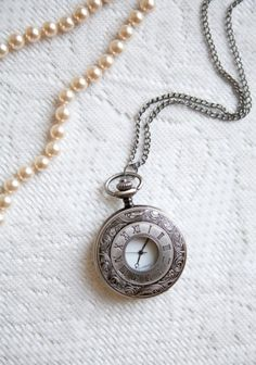 Just told someone I wanted a pocketwatch necklace! This is a sign
