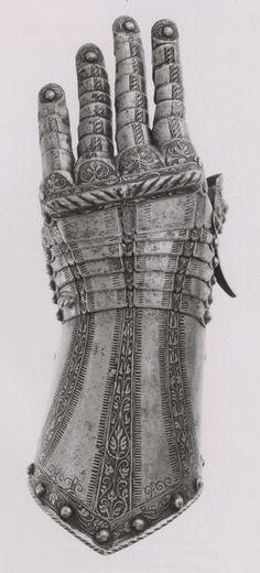 Southern German, Landshut Fingered Gauntlet for the Left Hand, c. 1530/50