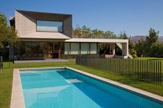 Massive and Modern Concrete House in Chile by Raimundo Anguita