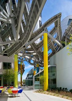 Dezeen » Blog Archive » Lou Ruvo Center for Brain Health by Frank Gehry
