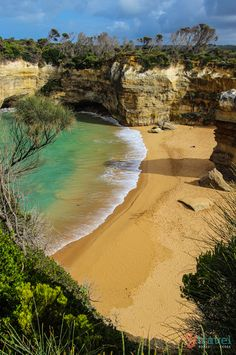 Loch Ard Gorge on the Great Ocean Road. One of the best places to visit in Australia. See inside for hotel deals and tips on what to do along the Great Ocean Road.