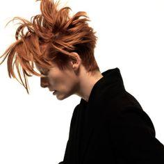 Tilda Swinton by Xevi Muntane for Mixte Magazine, May 2008 Tilda Swinton, Tv Movie, Pixie Crop, Foto Art, Pixie Hairstyles, Transgender, Redheads, Red Hair, Hair Inspiration