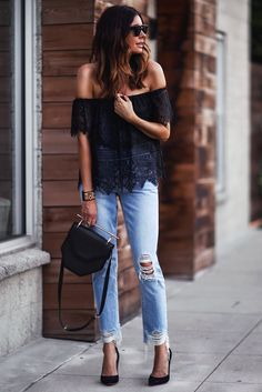 {new outfit post} talking simple summer style and how the use of subtle… Woman Outfits, New Outfits, Trendy Outfits, Fall Outfits, Summer Outfits, Cute Outfits, Amazing Outfits, Womens Ripped Jeans, Ripped Jeans Outfit
