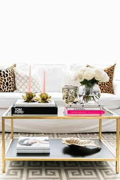 White Modern Style Sofa Artistic Design Ideas Combined Among Wooden Coffee Table Decoration as Living Room Interior - Hupehome Home Living Room, Apartment Living, Living Room Decor, Living Area, Chic Apartment Decor, French Apartment, Decor Room, Apartment Ideas, Living Spaces