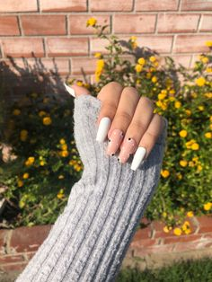 Hair Tips, Hair Hacks, Blue Sky Photography, Daisy Nails, Grunge Nails, Butterfly Nail, Best Acrylic Nails, Woman Painting, White Nails