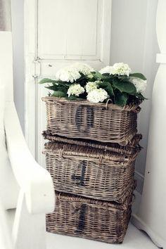 love the baskets!