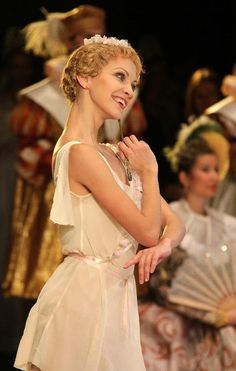 Anastasia Stashkevich as Cupid: I'm kind of in love with how nutty she looks here