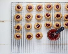 4 ingredient peanut butter and jelly cookies