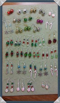 pretty little single drop earrings from my own collection Jewelry Design Earrings, Bead Jewellery, Bead Earrings, Beaded Jewelry, Handmade Wire Jewelry, Earrings Handmade, Christmas Jewelry, Diy Christmas Earrings, Homemade Jewelry
