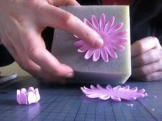 How to make a Gerbera flower from fondant
