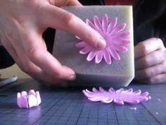 How to make a fondant gerbera - free video tutorial!