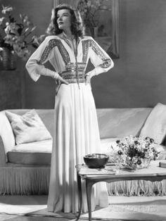Katharine Hepburn, The Philadelphia Story, 1940 Photographic Print at AllPosters.com Hollywood Vintage, Old Hollywood Glamour, Hollywood Stars, Hollywood Fashion, Hollywood Actresses, Hollywood Cinema, Classic Actresses, Katharine Hepburn, Audrey Hepburn