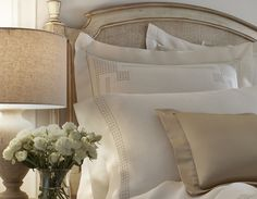Discover Léron, creators of luxury and custom linens for bed, bath and table.