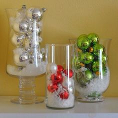 Easy Christmas Decoration That Are Within Your Budget yet looks Gorgeous - Hike n Dip Here are easy Christmas decoration ideas which are within your budget. These dollar store Christmas decor ideas are cheap DIY Frugual Decorations for Xmas. Simple Christmas, All Things Christmas, Winter Christmas, Christmas Home, Christmas Kitchen, Christmas Tabletop, Country Christmas, Beautiful Christmas, Easy Christmas Decorations