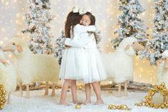 Nos encantan los abrazos en los que sin querer se te cierran los ojos... #SnugglyWinterSessions #TheMostWonderfulTimeOfTheYear #SisterLove #ForeverPartnersInCrime #WeLOVECustomers #HugsForDays #PricelessMoments #BeautifulMemories