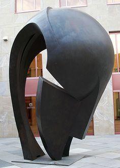 Gran Cabeza Africana (de Martín Chirino)                                                                                                                                                                                 Más