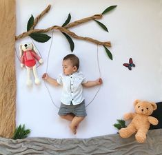 Best Baby photo shoot ideas at home DIY Funny Baby Photos, Monthly Baby Photos, Baby Boy Pictures, Newborn Baby Photos, Baby Poses, Baby Boy Newborn, Half Birthday Baby, Foto Baby, Expecting Baby
