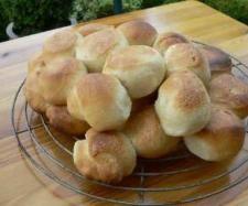 Rezept Pizzabrötchen von Thermomädel - Rezept der Kategorie Brot & Brötchen