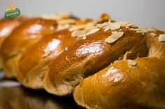 Τα Τσουρέκια του Γ. Αγαπητού (επαγγελματική συνταγή) Baked Potato, Hot Dogs, Sausage, Potatoes, Bread, Baking, Ethnic Recipes, Food, Sausages