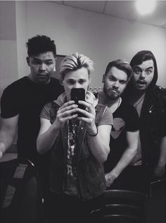 I almost didn't even recognize Cody.. especially with his gorgeous beard