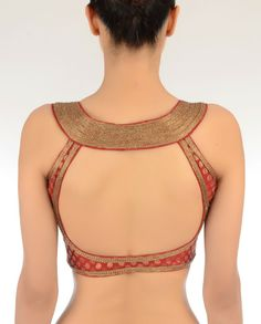 100 Sexy Low Back blouse Designs For Indian Women - Outfits Hunters Choli Designs, Sari Blouse Designs, Saree Blouse Patterns, Designer Blouse Patterns, Blouse Styles, Mehndi Designs, Indian Attire, Indian Outfits, Sari Bluse