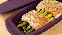 Epicure Silicone Steamer 4 Minute Salmon and Asparagus Epicure Recipes, Healthy Recipes, Fish Recipes, Seafood Recipes, Gourmet Recipes, Cooking Recipes, Steamed Salmon Recipes, Salmon Dishes, Yummy Recipes