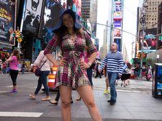 TUDO O QUE NOS REALMENTE QUEREMOS DESSA VIDA E SER FELIZ! Mesmo que seja soh por alguns breves momentos em meio a todos os outros! BOM DIA BRASIL!!! BOM  DIA VIDA! #NanaGouvea #onepenplaza #timessaquare #hell'skitchen #newyorkcity #nyc #iloveNY #carloskeyes